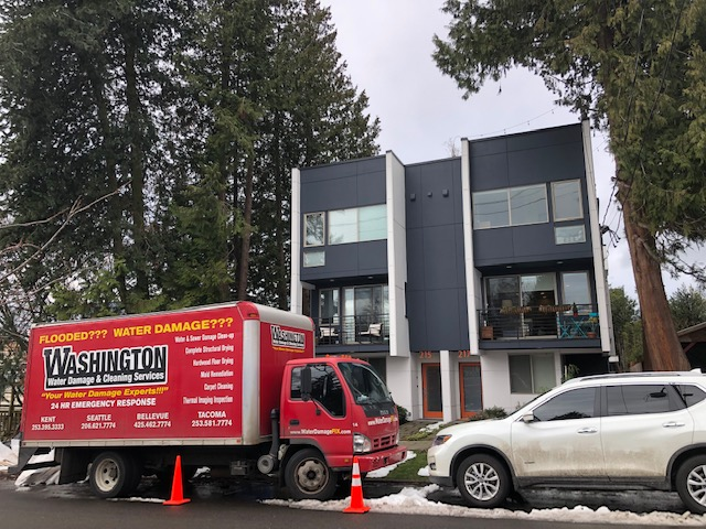 Washington Water Damage and Cleaning Services On Site